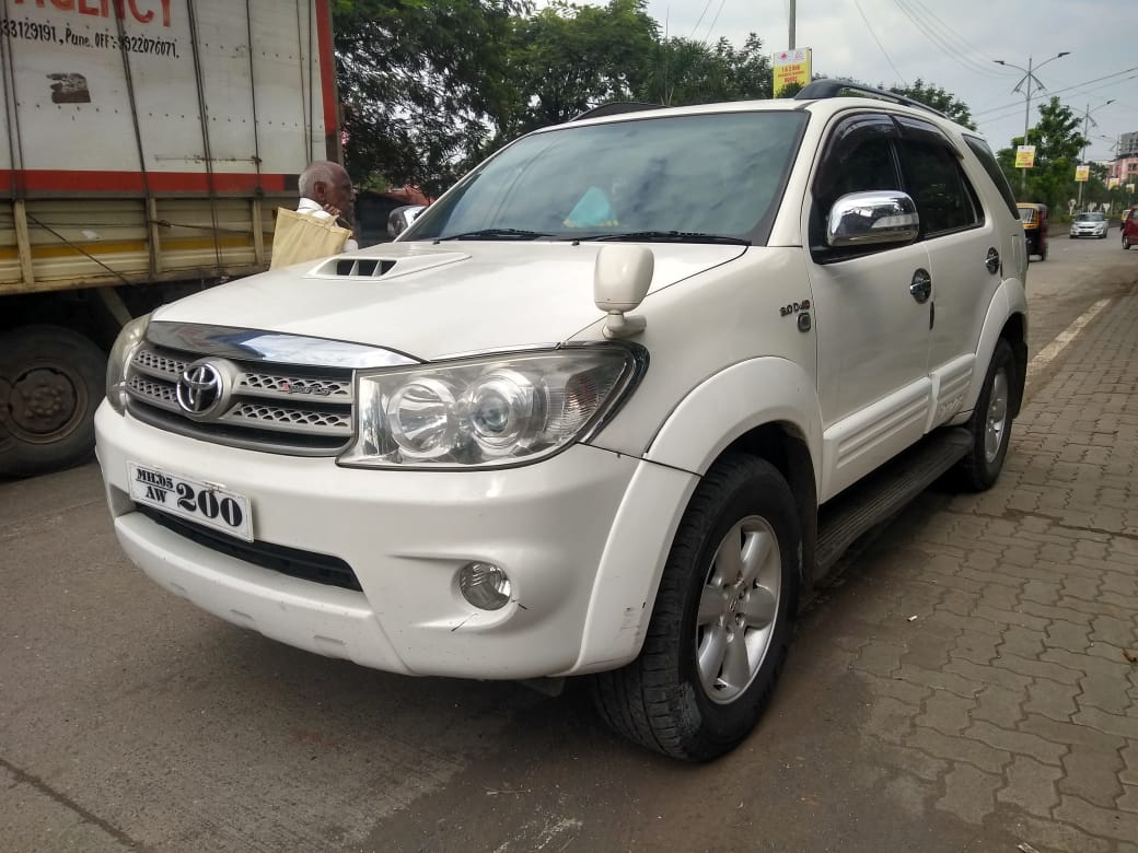 2011 Used Toyota Fortuner 2.8 4WD MT
