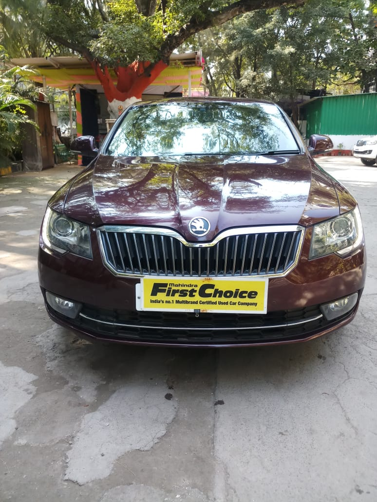 Skoda Superb Elegance 1 8 Tsi At Mahindra First Choice