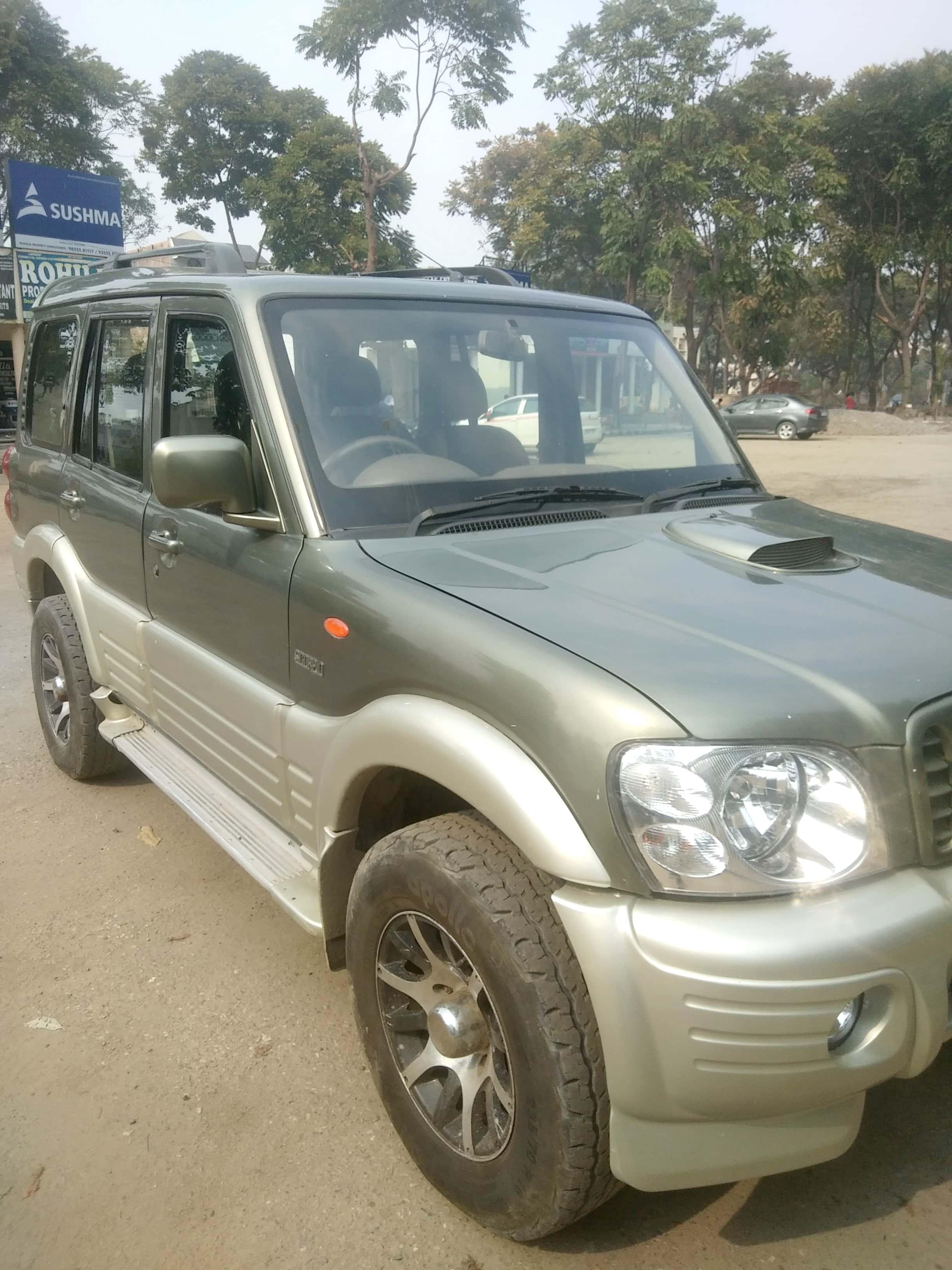 2006 Used Mahindra Scorpio SLX 2.6 TURBO 7 STR