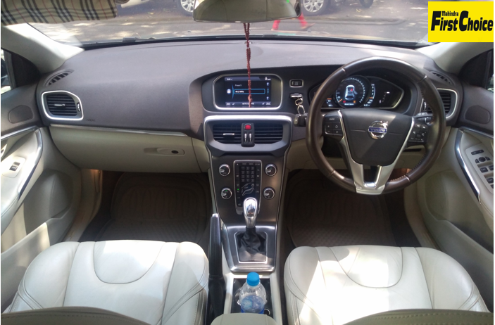 Volvo V40 Cross Country D3 - Mahindra First Choice