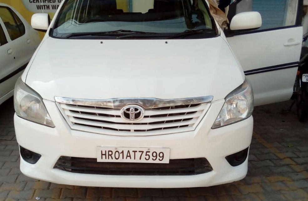2013 Used Toyota Innova 2.5 G 8 STR BS III
