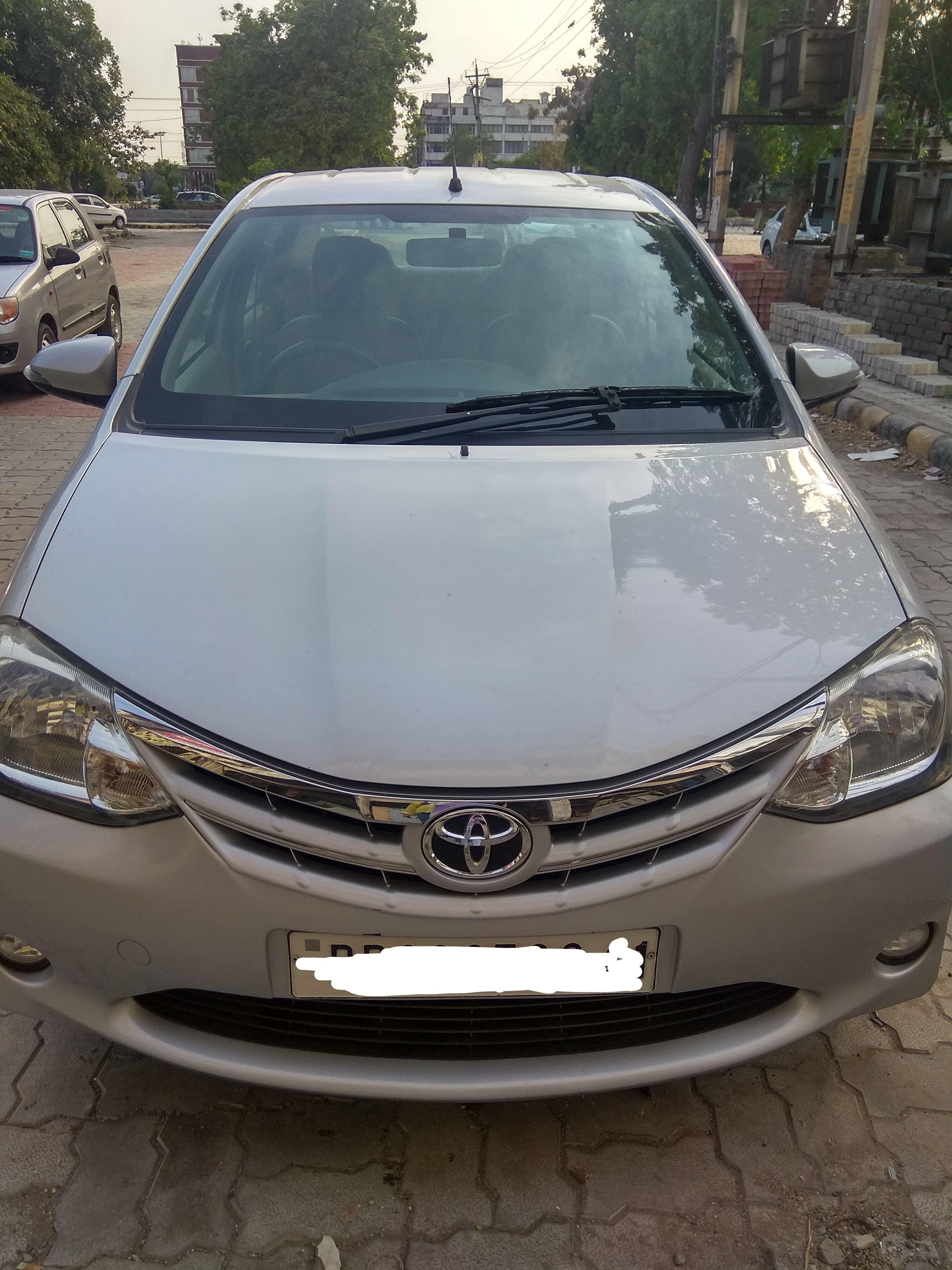 2013 Used Toyota Etios V