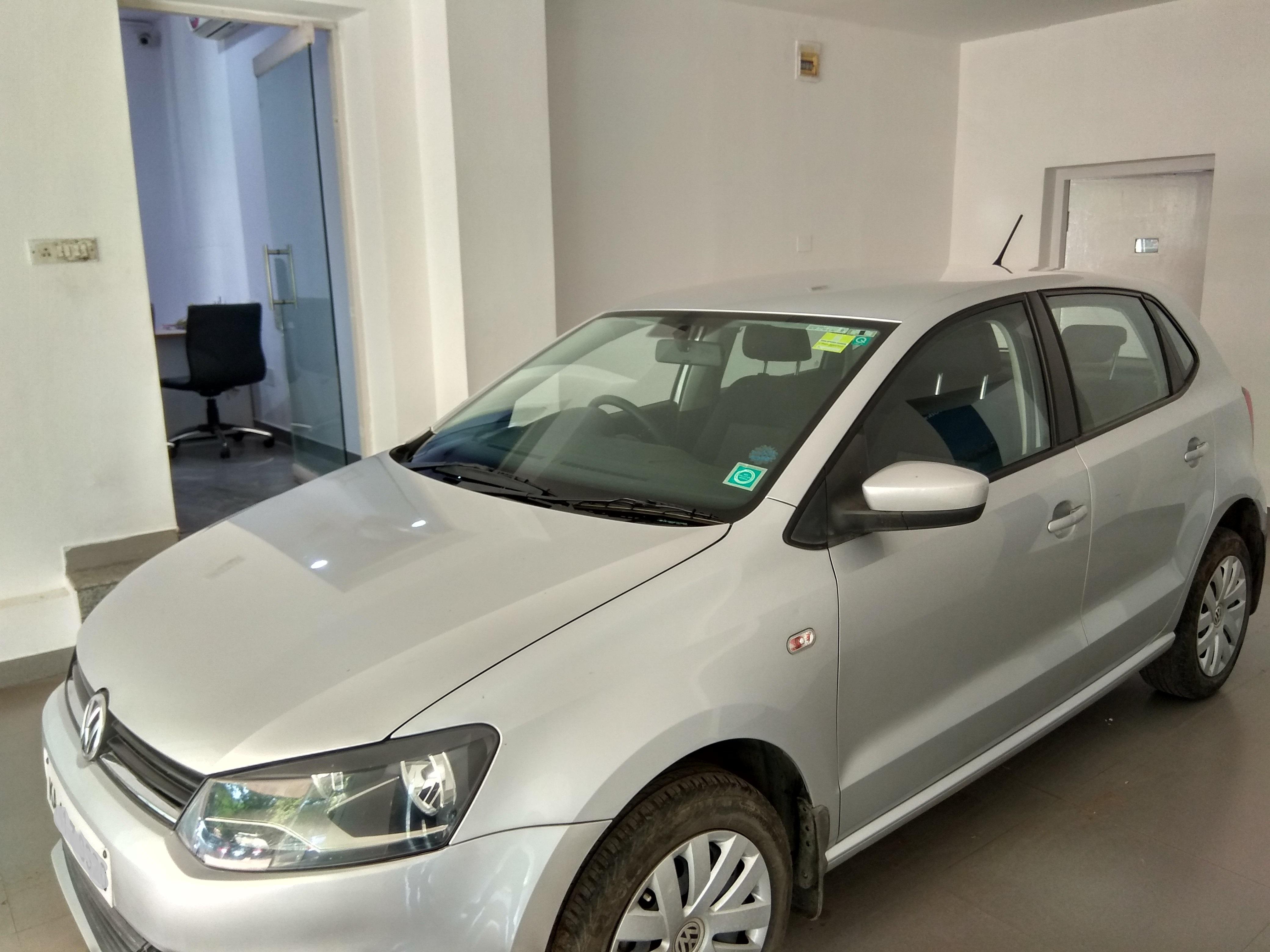Volkswagen Polo Comfortline 1 2l Petrol Mahindra First