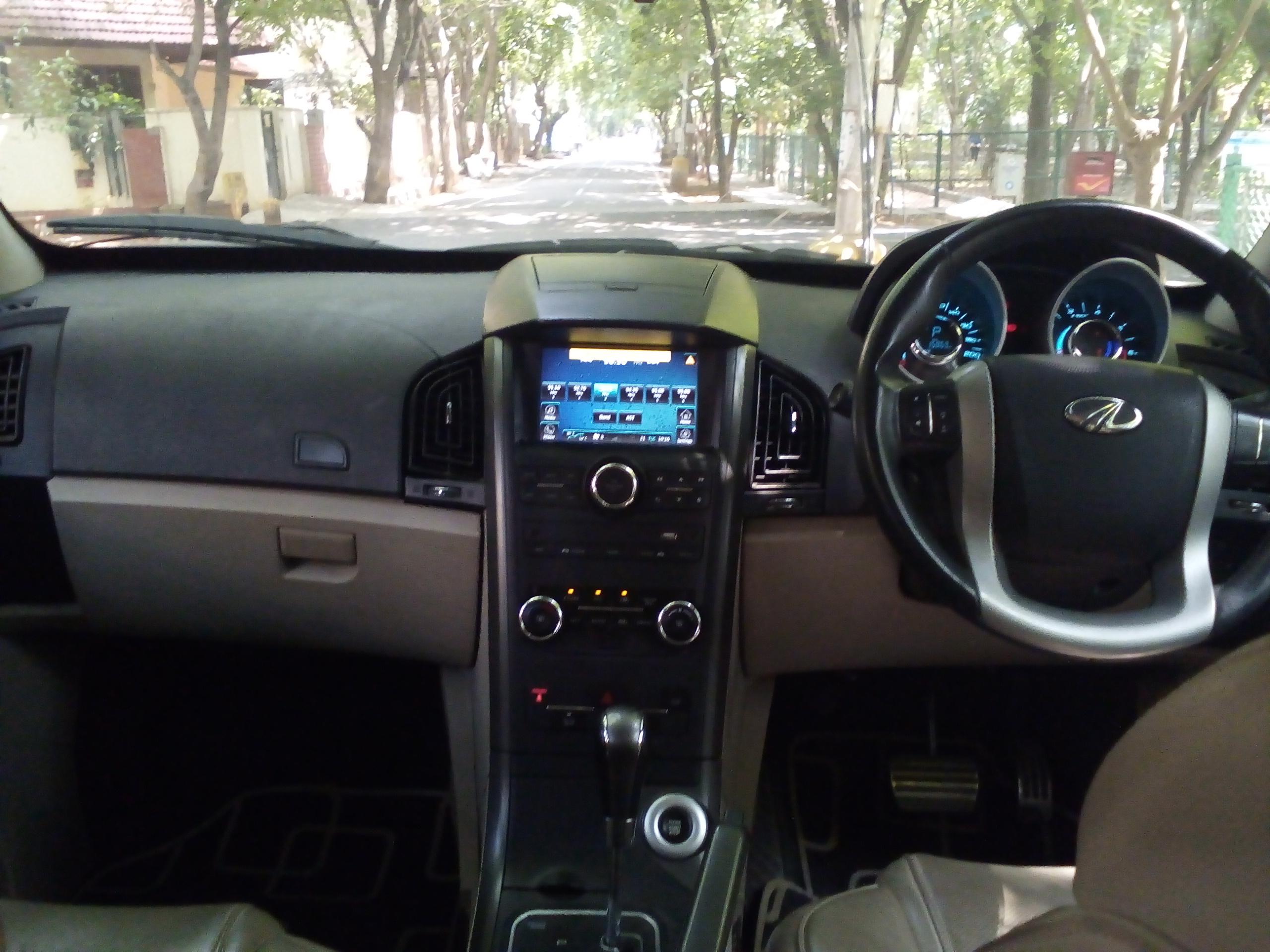 Mahindra Xuv 500 W10 - Mahindra First Choice