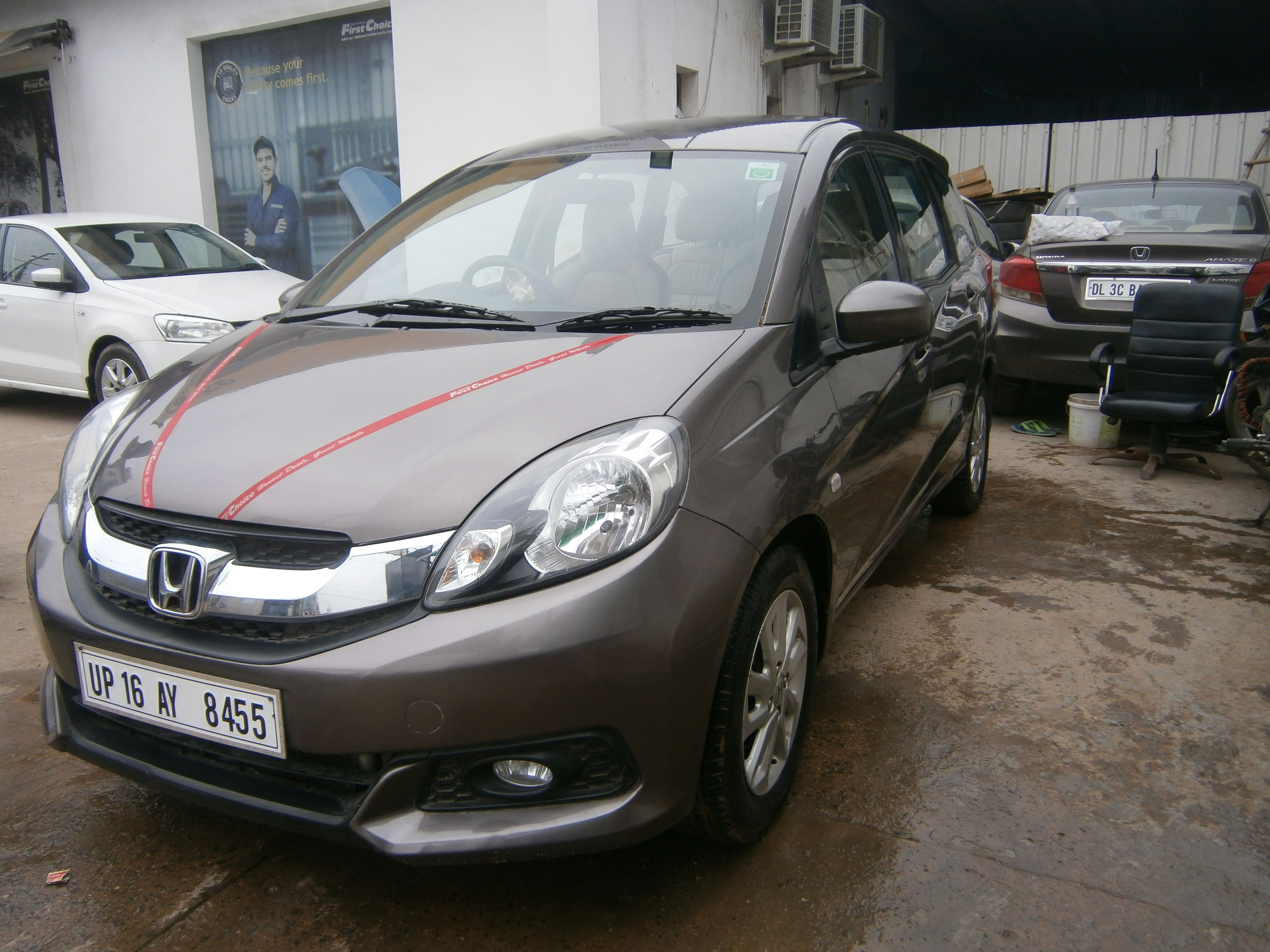 Honda Mobilio Rs Diesel Mahindra First Choice