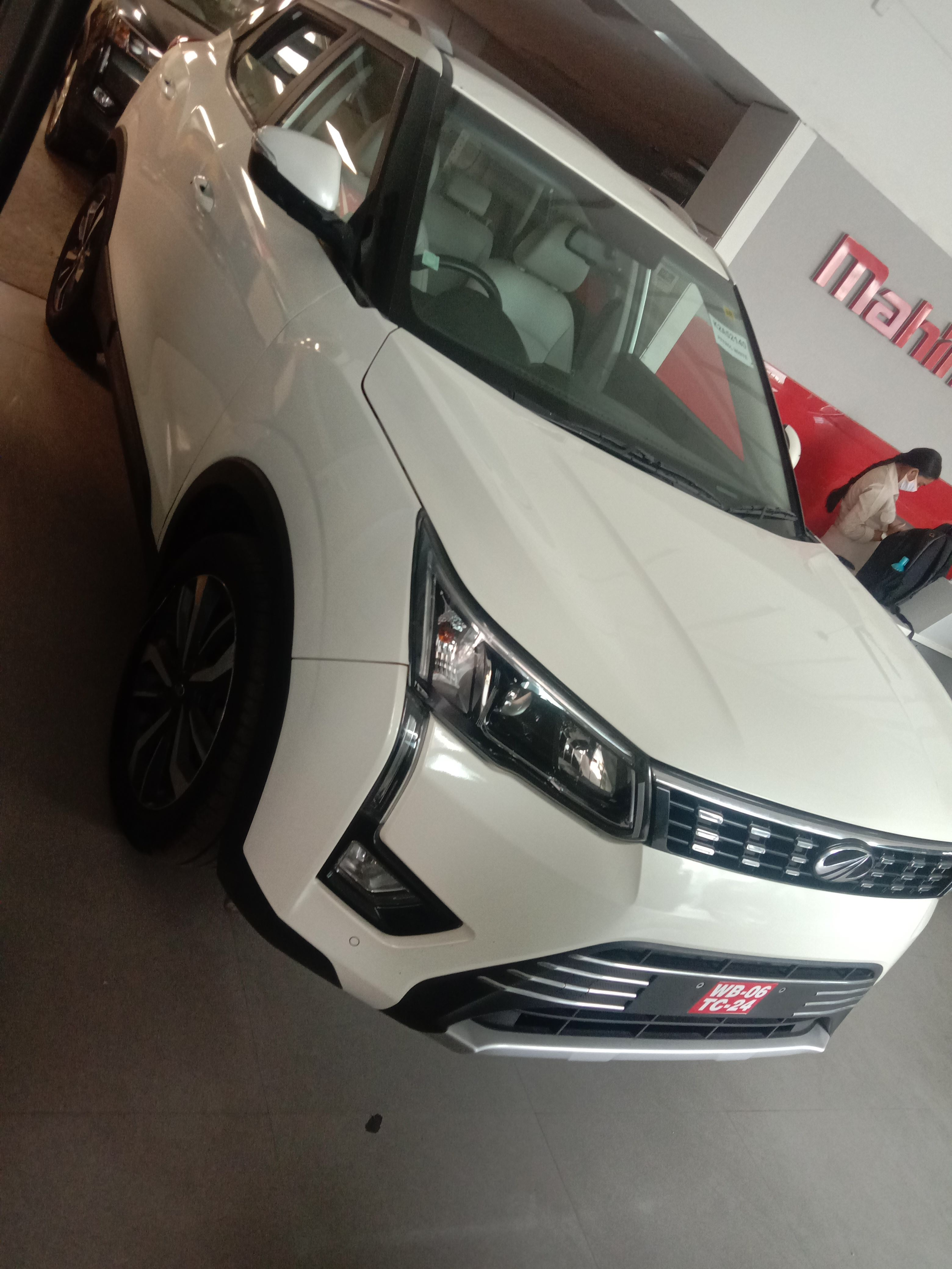 2019 Used Mahindra Xuv300 W8 OPTIONAL PETROL