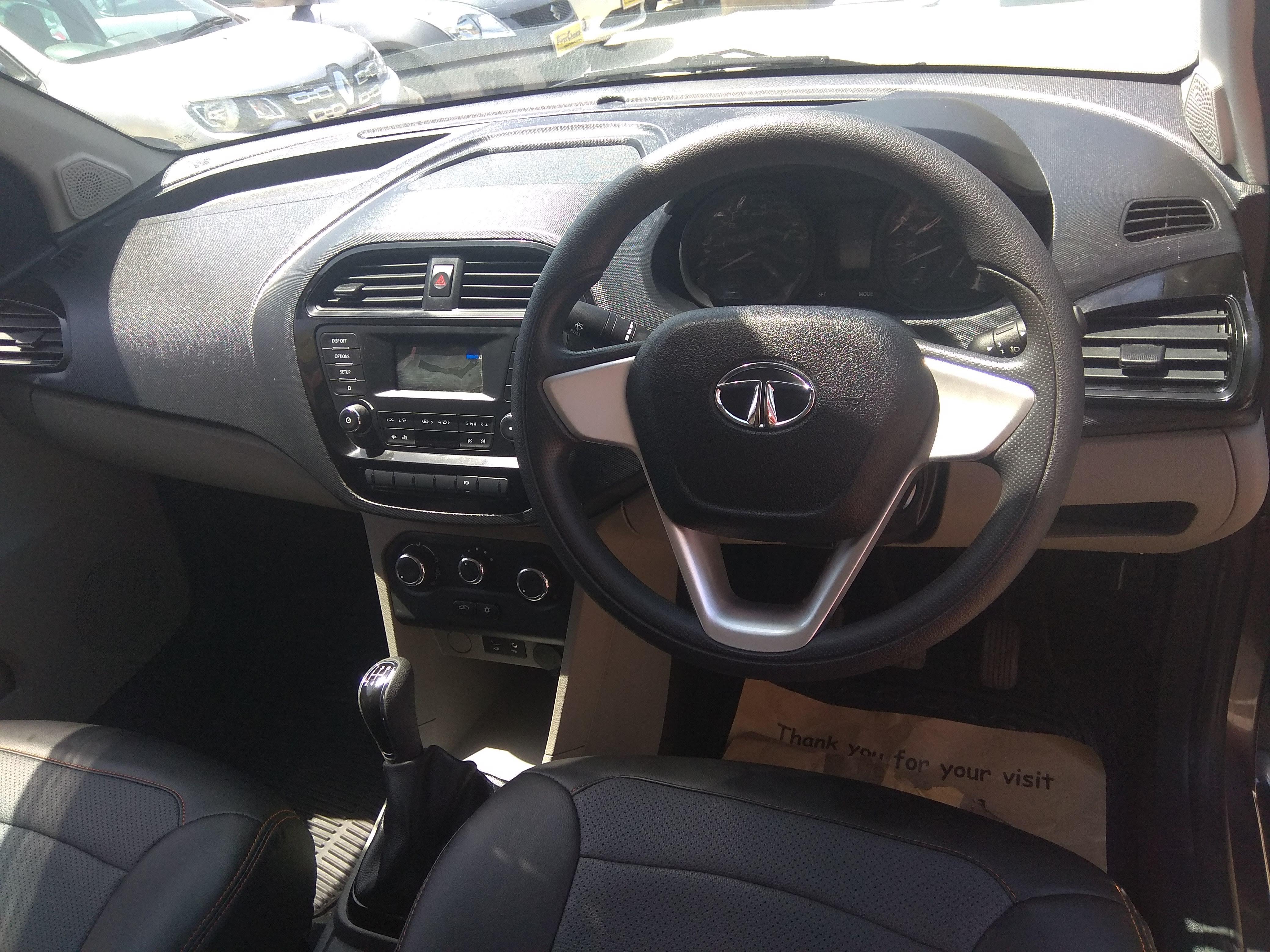 Tata Tiago Xt - Mahindra First Choice