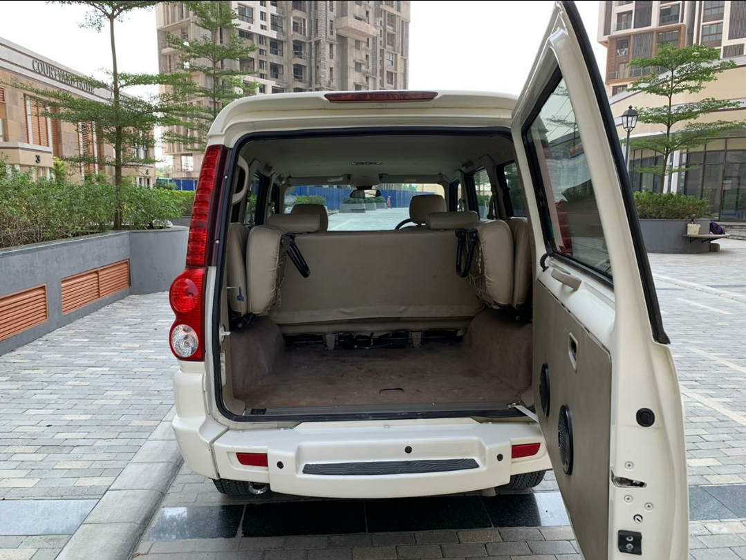 2013 Used Mahindra Scorpio VLX AIRBAG AT BS IV