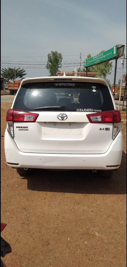 Toyota Innova Crysta 2.4 Vx 7 Str - Mahindra First Choice