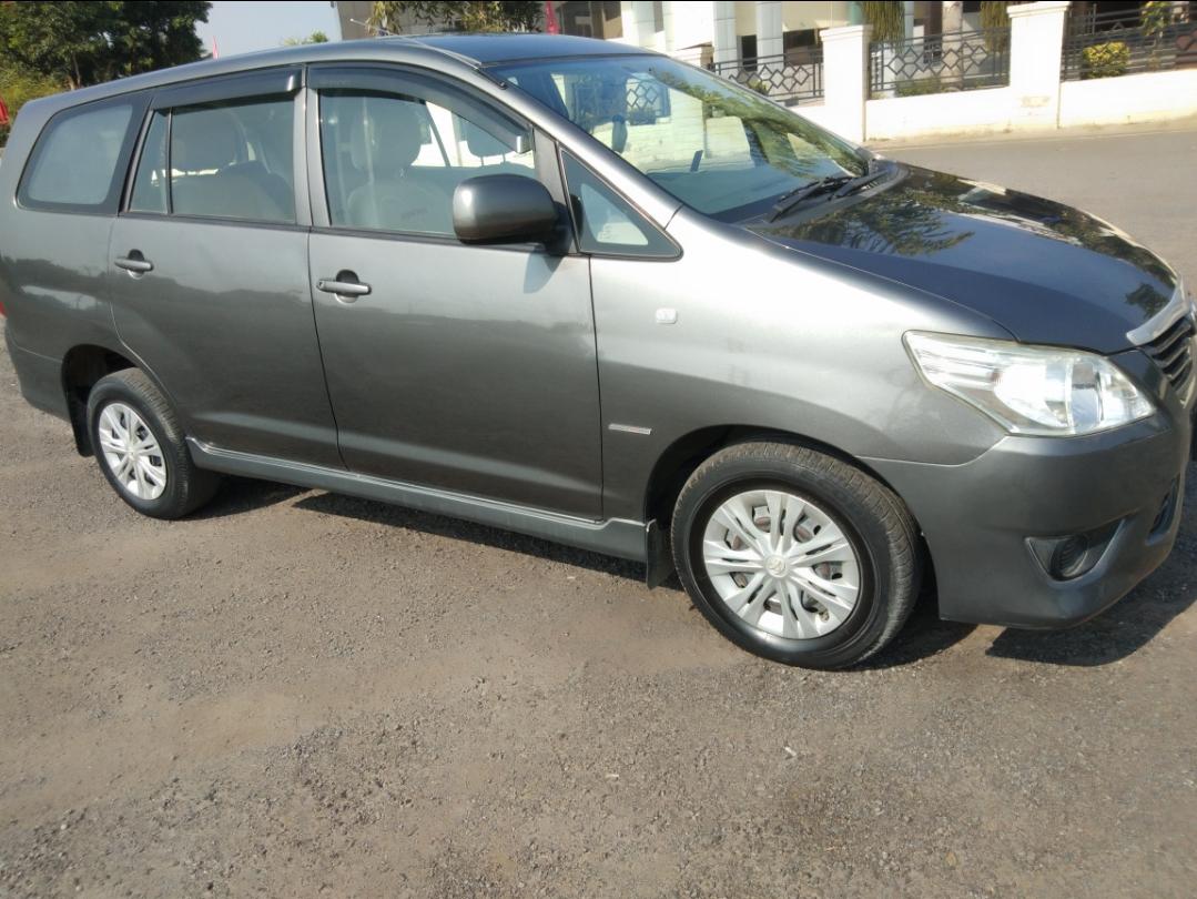 2013 Used Toyota Innova 2.5 G 7 STR BS IV
