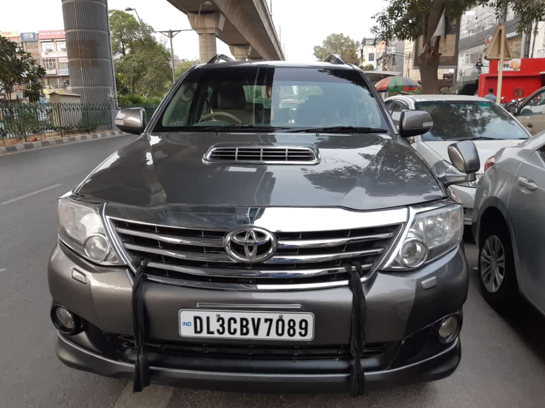 2012 Used TOYOTA FORTUNER 2.8 4WD MT
