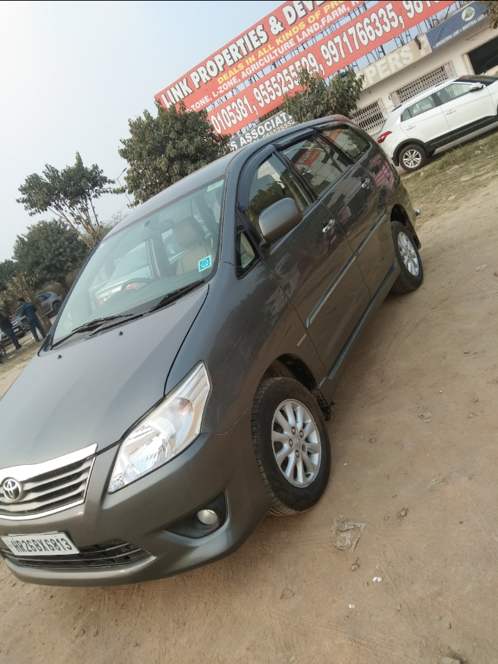 2013 Used Toyota Innova 2.5 V 7STR