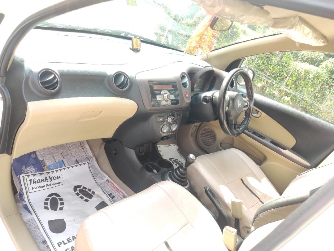 2013 Used HONDA BRIO V MT