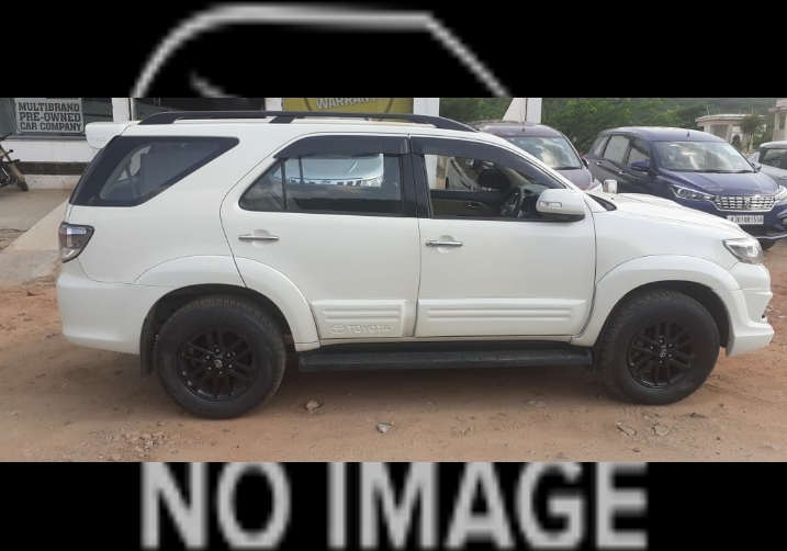 2013 Used TOYOTA FORTUNER 2.8 2WD MT