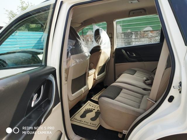 2016 Used MAHINDRA XUV500(2015_2017) W6