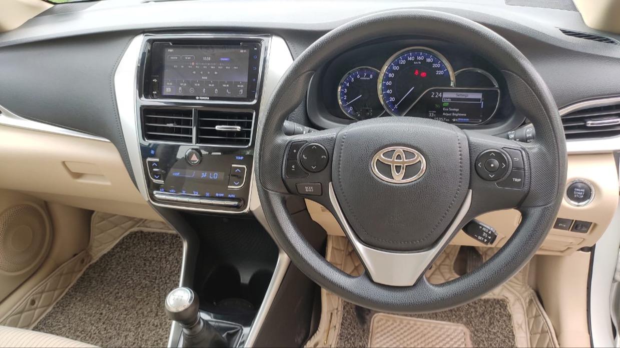 Toyota Yaris V Mt - Mahindra First Choice