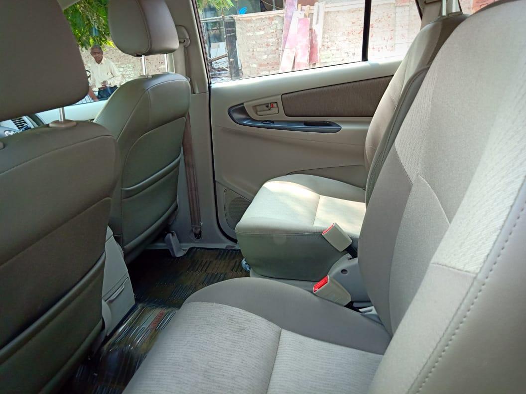 2014 Used Toyota Innova 2.5 G 7 STR BS IV