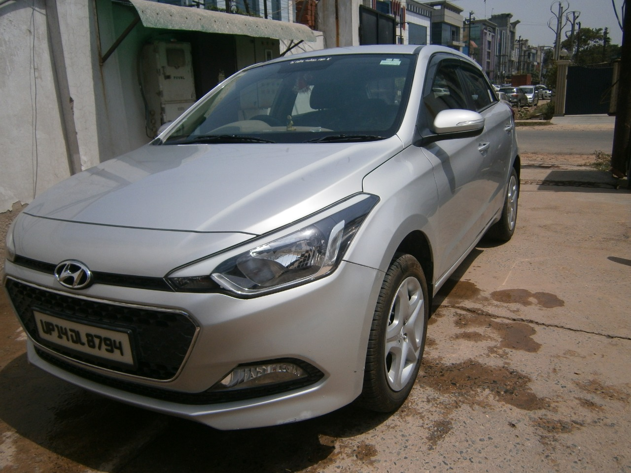 Used Hyundai I20 in Delhi - Mahindra First Choice