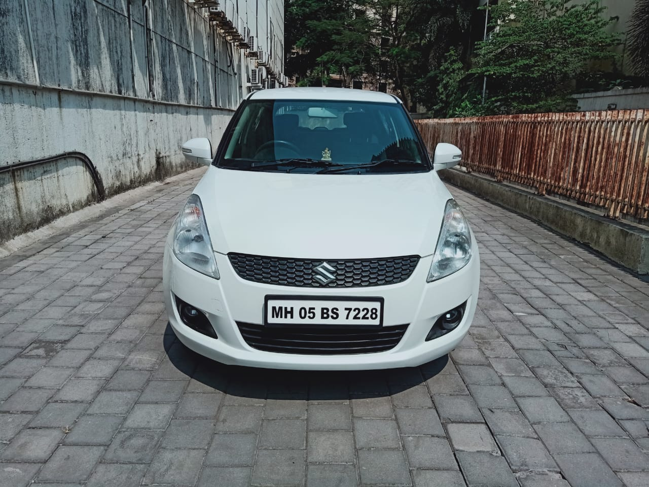 2013 Used Maruti Suzuki Swift VXI 1.2 BS IV