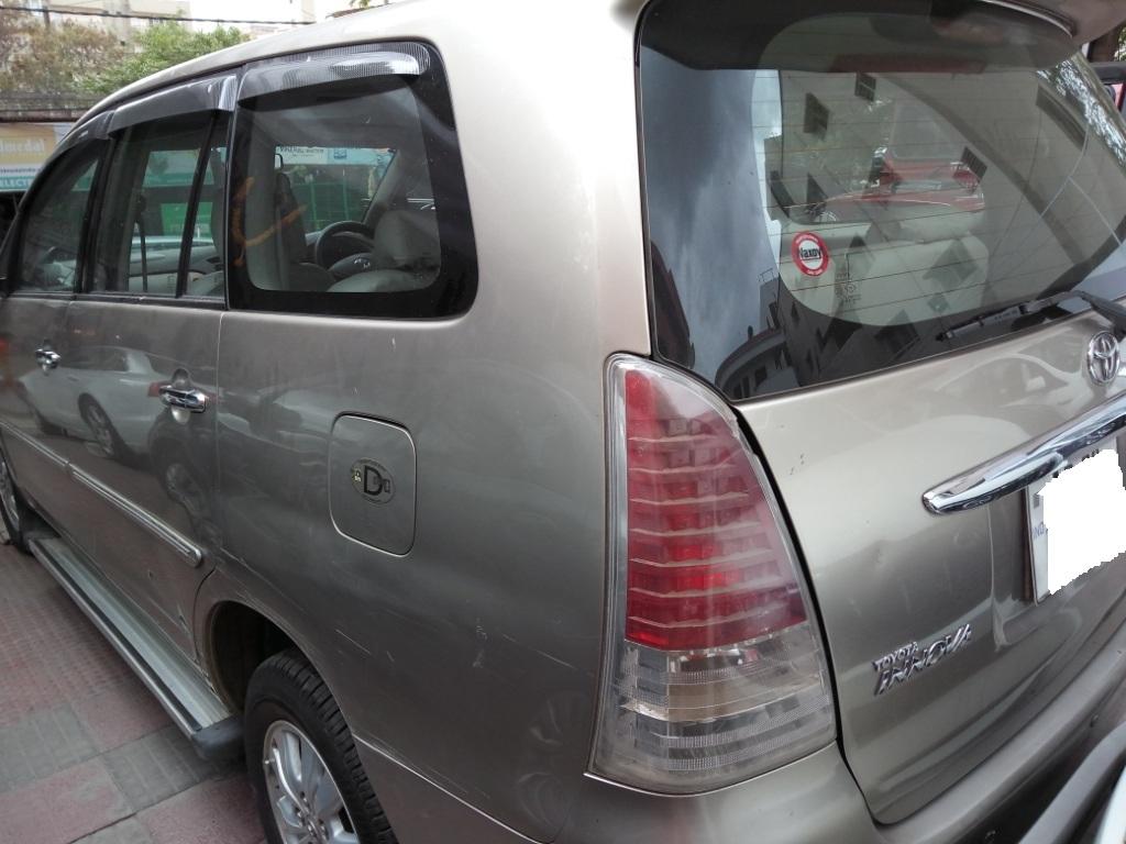 2009 Used Toyota Innova 2.5 V 8 STR