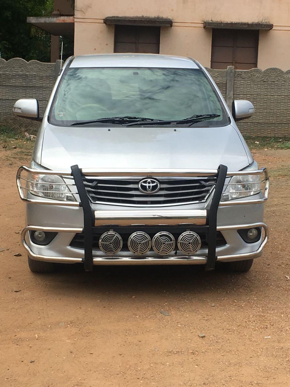 2013 Used Toyota Innova 2.5 VX 8 STR BS IV