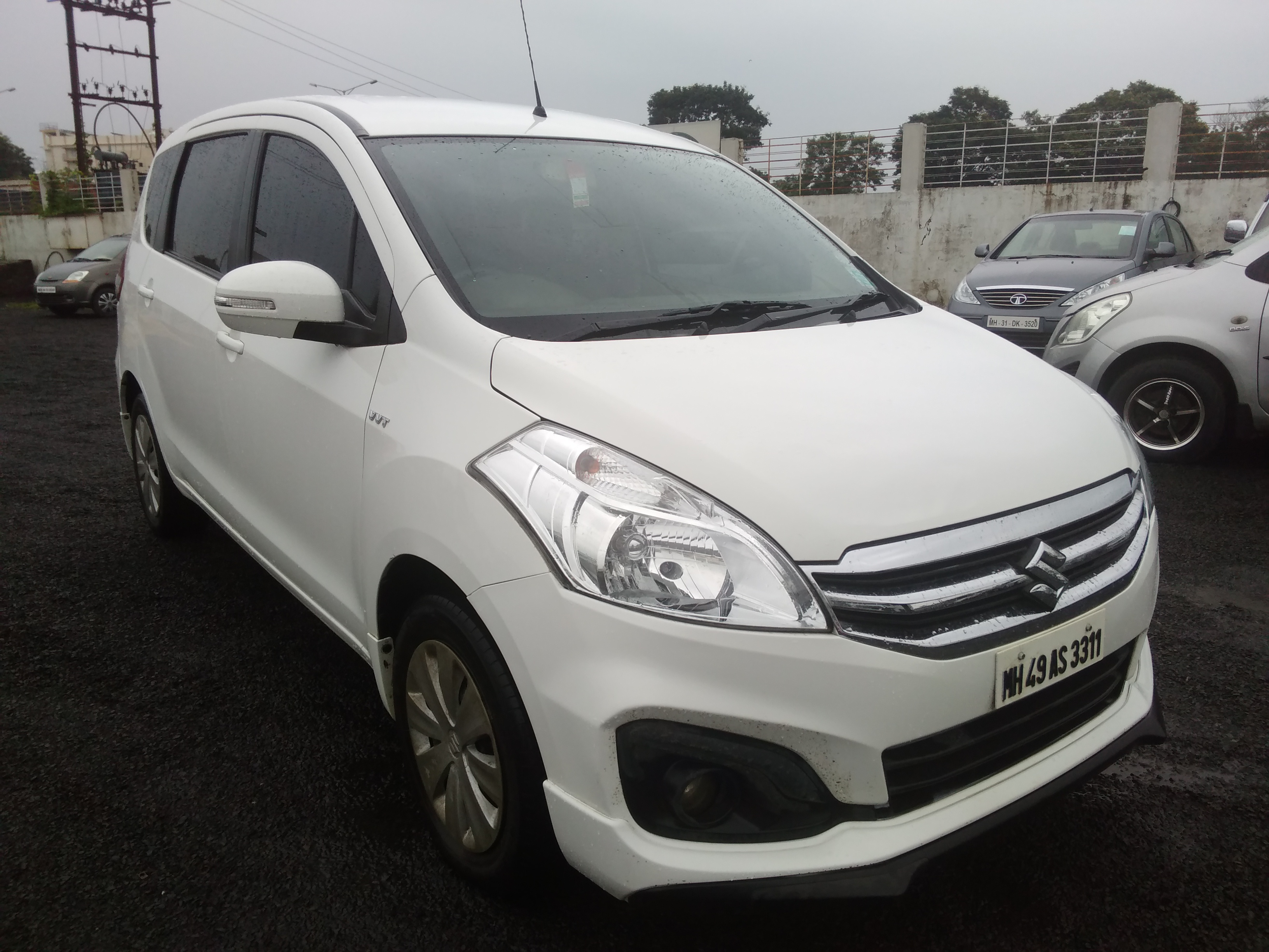 Maruti Suzuki Ertiga Vxi Abs Mahindra First Choice
