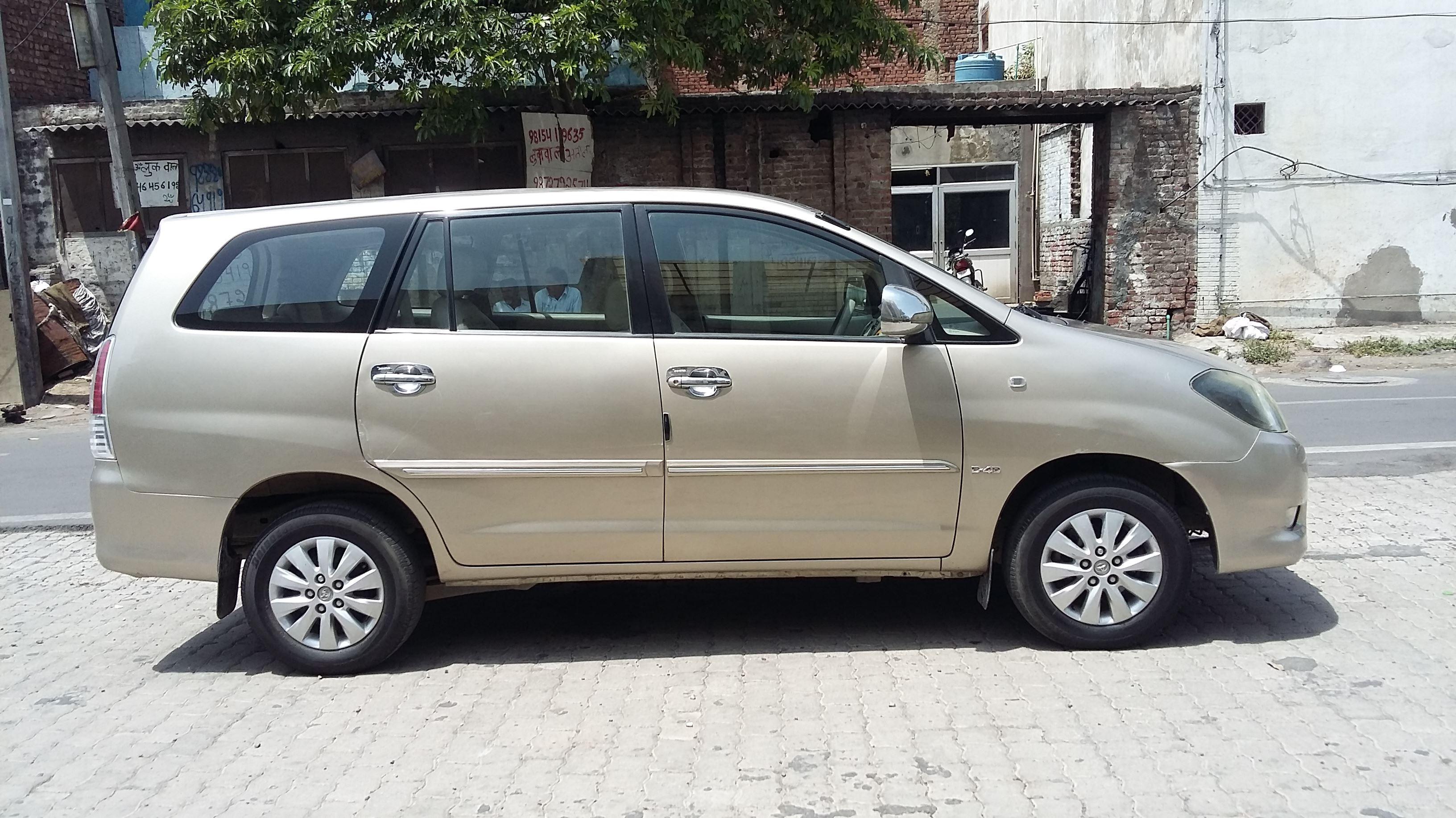2010 Used Toyota Innova 2.5 V 7STR