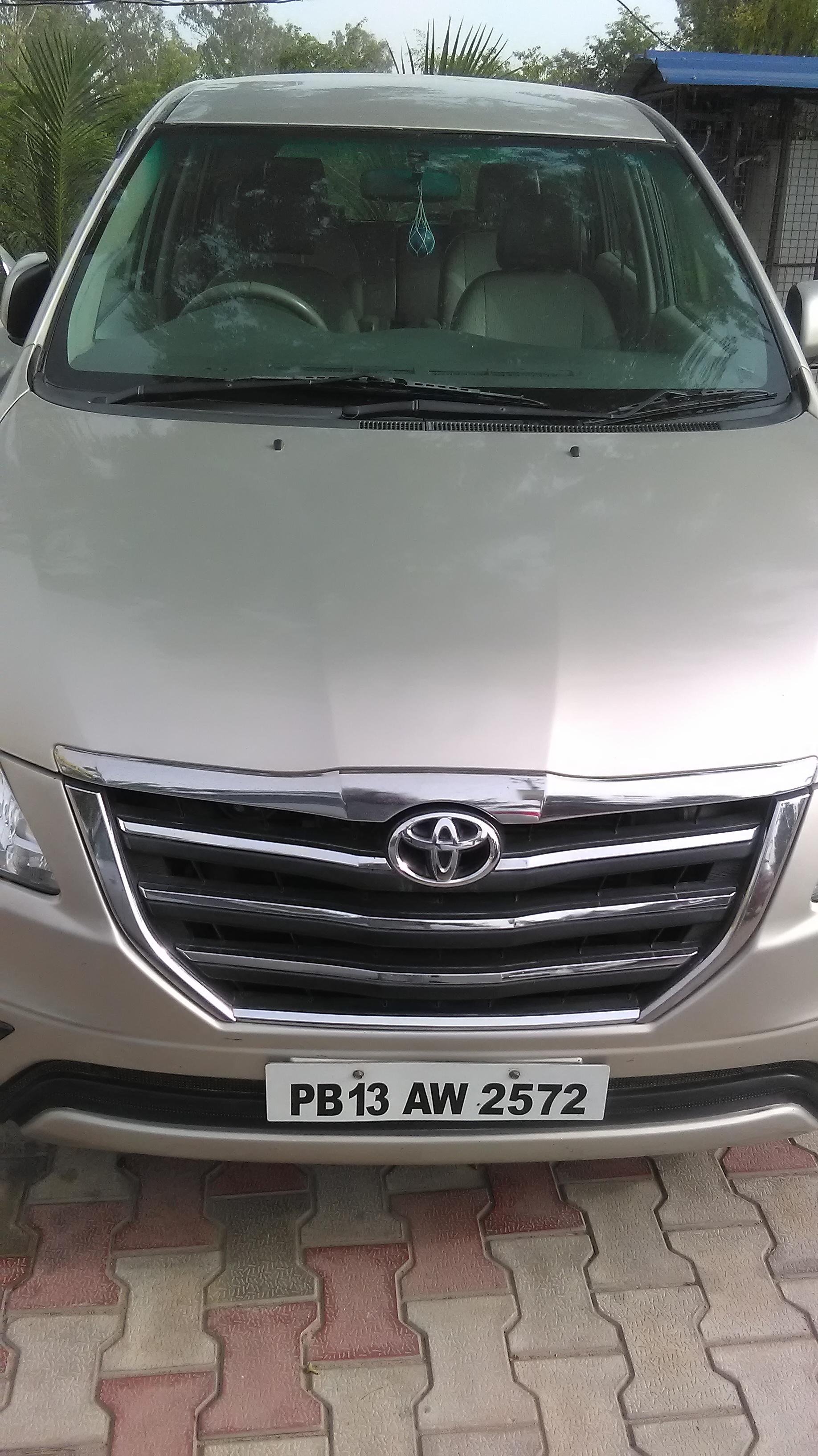 2014 Used Toyota Innova 2.5 G 8 STR BS IV